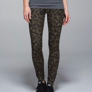 Lululemon camo speed tights